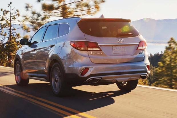 2018 Hyundai Santa Fe: New Car Review featured image large thumb3