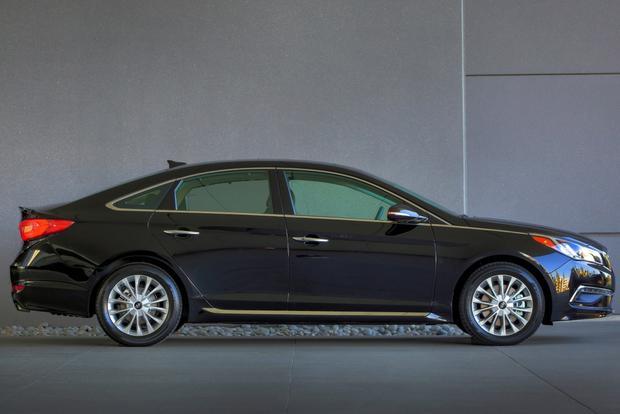 2015 Hyundai Sonata - Image Gallery featured image large thumb2