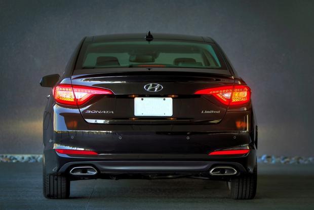 2015 Hyundai Sonata - Image Gallery featured image large thumb4