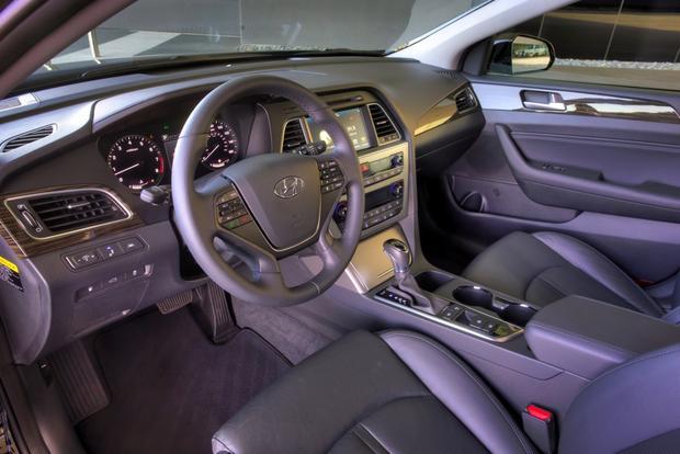 2015 Hyundai Sonata - Image Gallery featured image large thumb6