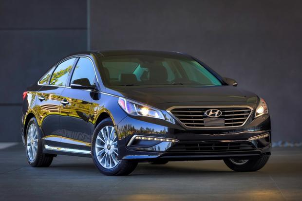 2015 hyundai sonata sport 2 4 real world review autotrader. Black Bedroom Furniture Sets. Home Design Ideas