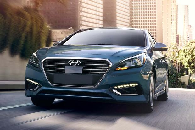 2016 Hyundai Sonata New Car Review Featured Image Large Thumb0