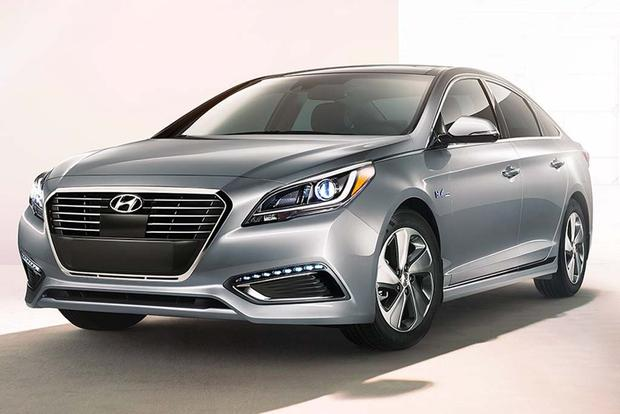 2016 Hyundai Sonata Hybrid New Car Review Featured Image Large Thumb0