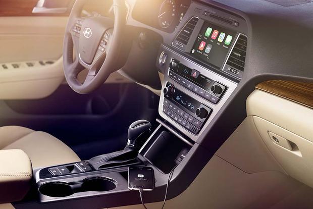 2017 Hyundai Sonata Hybrid New Car Review Featured Image Large Thumb6