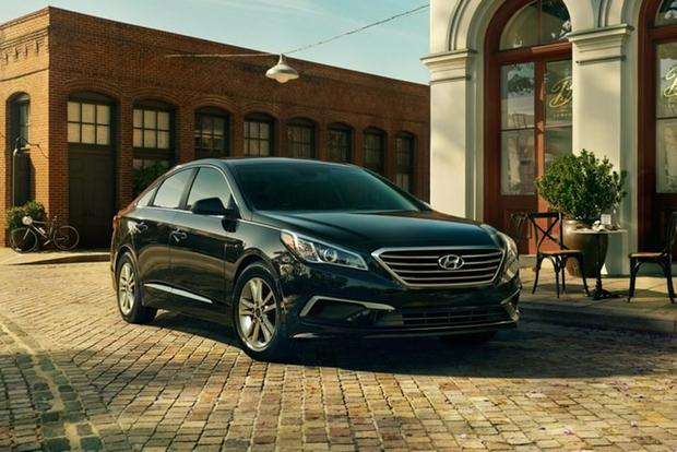 2017 Hyundai Sonata: New Car Review featured image large thumb0