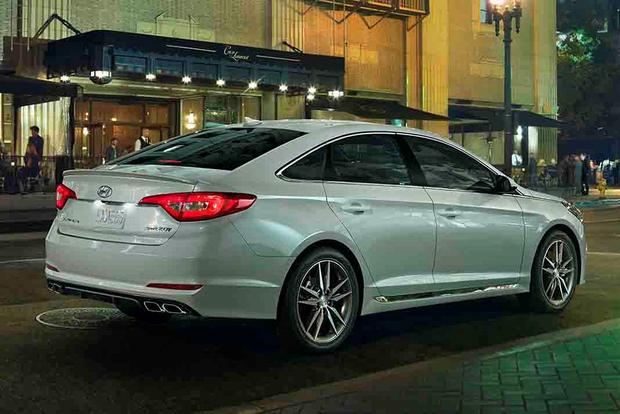 2017 Hyundai Sonata: New Car Review featured image large thumb2