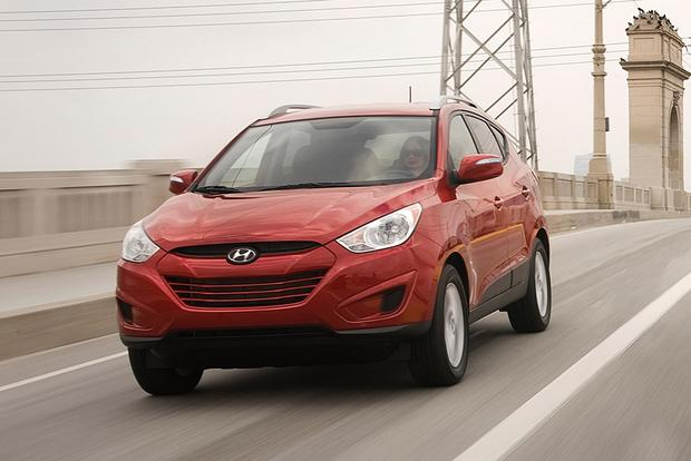 Tucson Used Cars >> 2012 Hyundai Tucson Used Car Review Autotrader