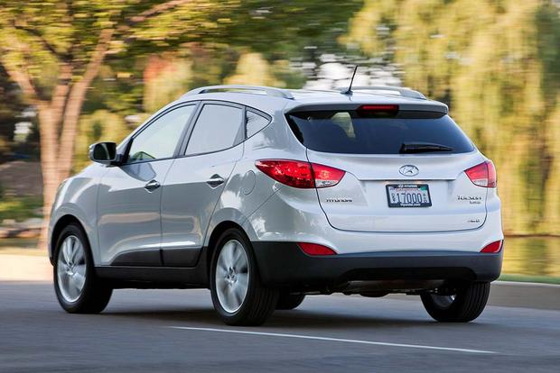 2015 vs. 2016 Hyundai Tucson: What's the Difference? featured image large thumb7
