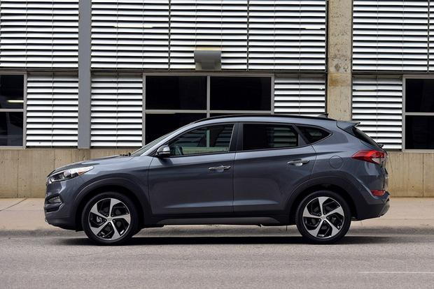 2017 Hyundai Tucson New Car Review Featured Image Large Thumb2