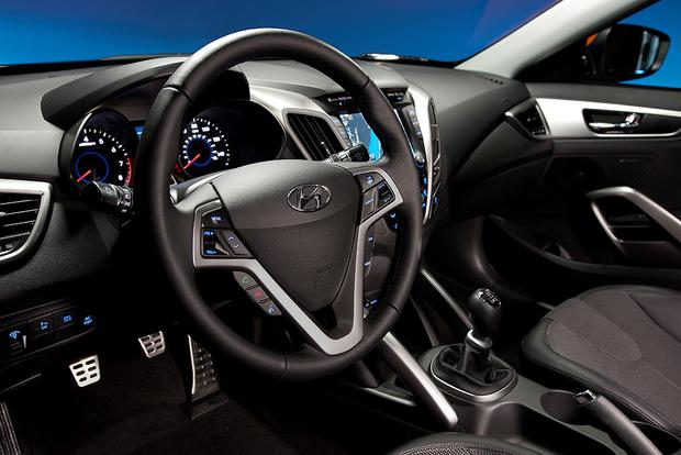 2015 Hyundai Veloster: New Car Review featured image large thumb1