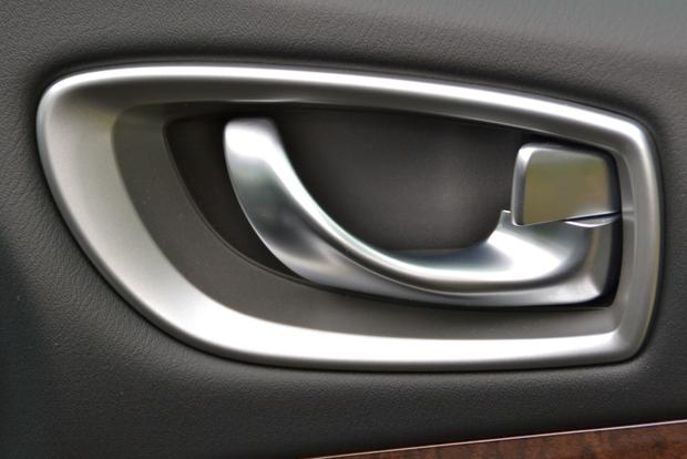 2013 Infiniti JX: New Car Review featured image large thumb16
