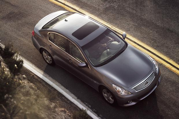 2015 Infiniti Q40: New Car Review featured image large thumb2