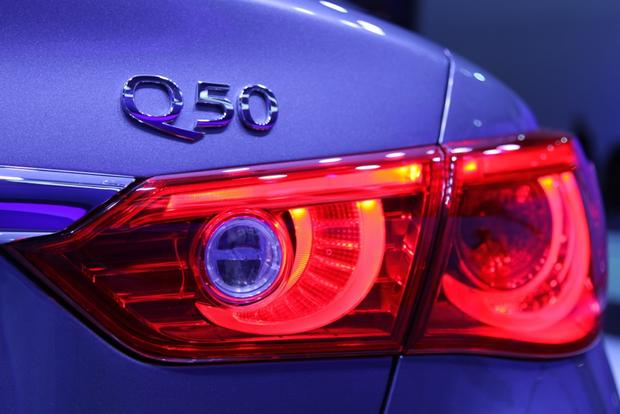 2014 Infiniti Q50: Detroit Auto Show featured image large thumb5