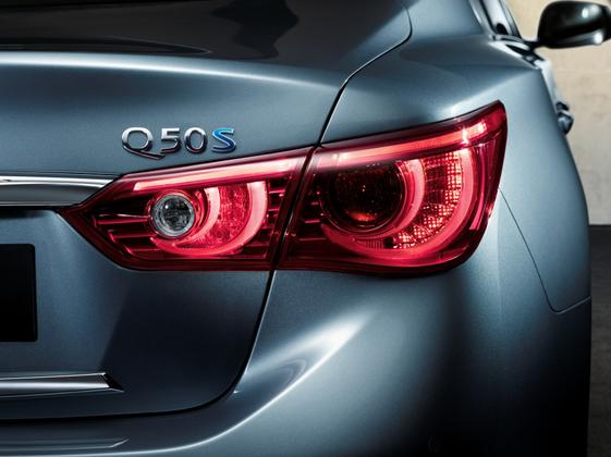 2014 Infiniti Q50: New Car Review featured image large thumb4