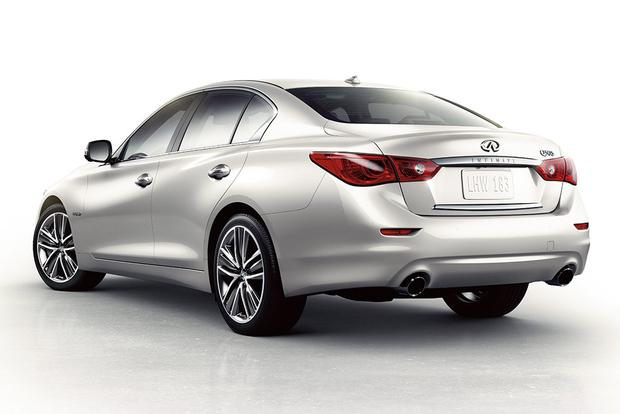 2015 Infiniti Q50: New Car Review featured image large thumb3