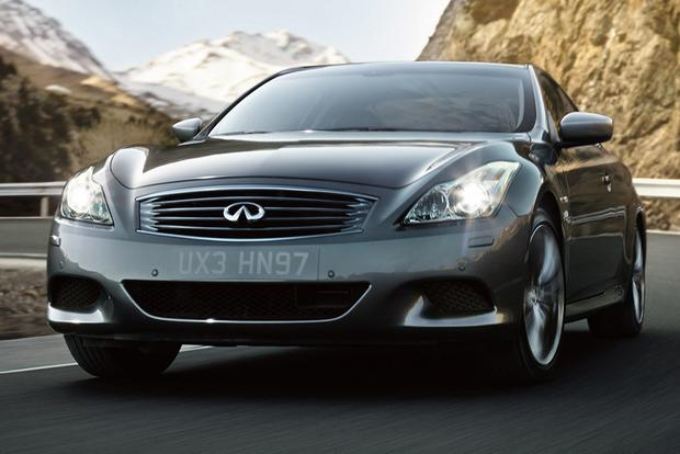 2015 Infiniti Q60: New Car Review featured image large thumb0