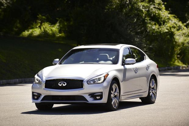 2016 Infiniti Q70: New Car Review featured image large thumb1