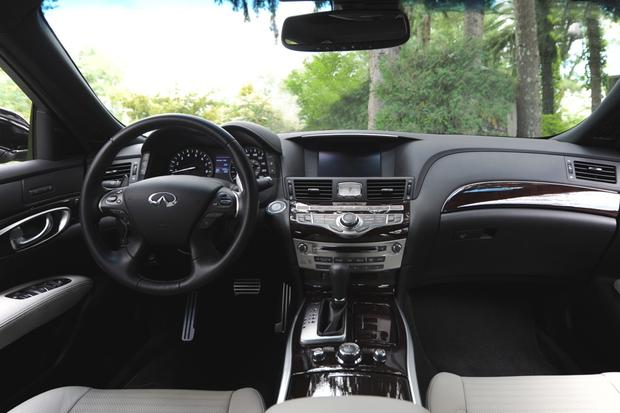 2016 Infiniti Q70: New Car Review featured image large thumb5