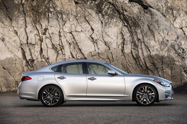 2017 Infiniti Q70 New Car Review Featured Image Large Thumb3