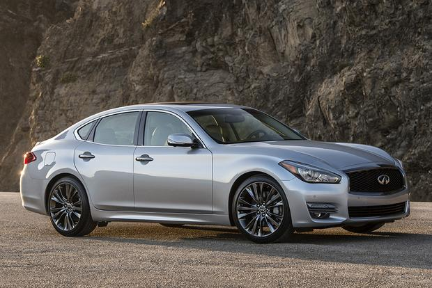 2018 Infiniti Q70: New Car Review featured image large thumb2
