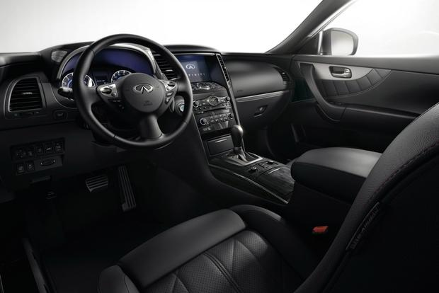2016 Infiniti QX70: New Car Review featured image large thumb3