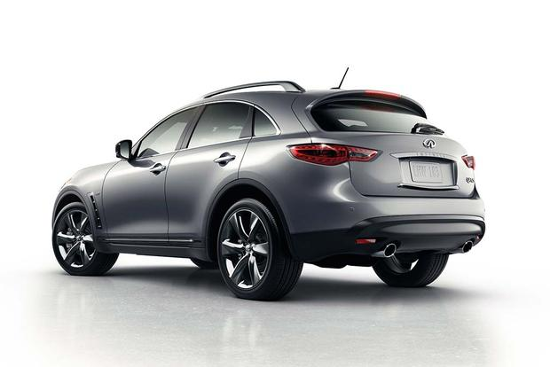 2016 Infiniti QX70: New Car Review featured image large thumb2