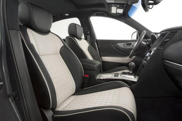 2017 Infiniti QX70: New Car Review featured image large thumb2