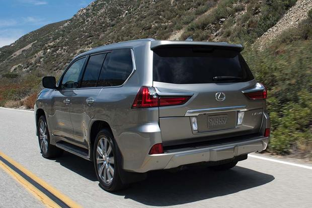 2016 Infiniti Qx80 Vs 2016 Lexus Lx 570 Which Is Better