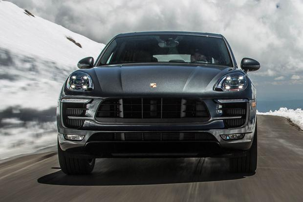 2017 Jaguar F-PACE vs. 2017 Porsche Macan: Which Is Better? featured image large thumb4