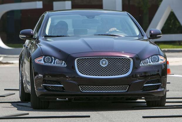 2015 vs. 2016 Jaguar XF: What's the Difference? featured image large thumb7