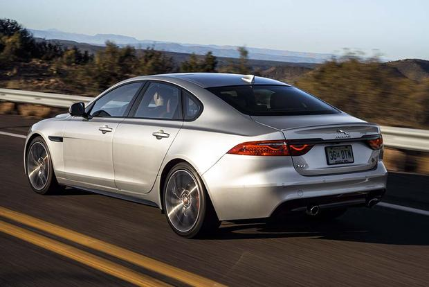 2016 Jaguar Xf Vs 2017 Jaguar Xe What S The Difference