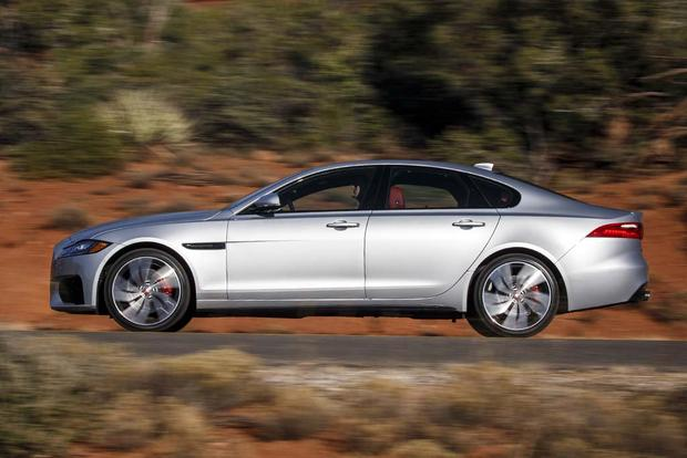 2016 Jaguar XF vs. 2017 Jaguar XE: What's the Difference? featured image large thumb9