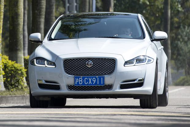 2017 Jaguar Xj New Car Review Featured Image Large Thumb2