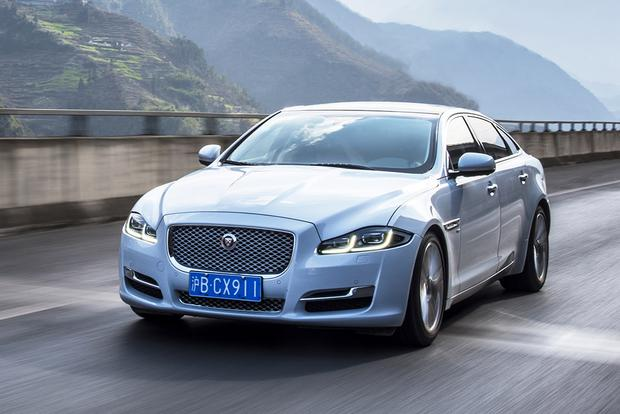2017 Jaguar XJ: New Car Review featured image large thumb6
