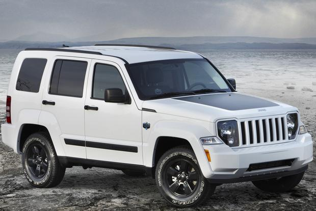 2012 Jeep Liberty vs. 2014 Jeep Cherokee featured image large thumb5