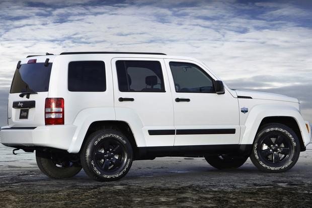 2012 Jeep Liberty vs. 2014 Jeep Cherokee featured image large thumb7