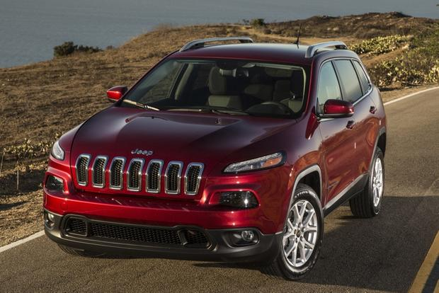 2014 Jeep Cherokee vs. 2014 Honda CR-V: Which Is Better? featured image large thumb0