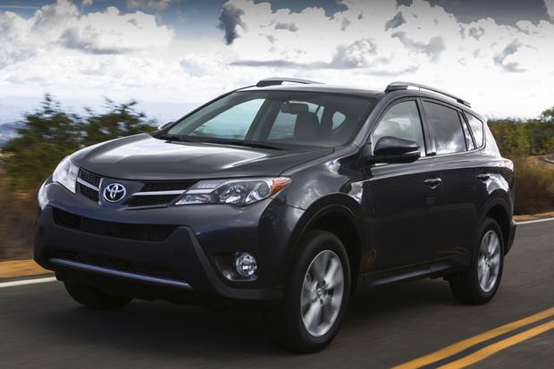 2014 Jeep Cherokee vs. 2014 Toyota RAV4: Which Is Better? featured image large thumb3