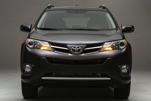 2014 Jeep Cherokee vs. 2014 Toyota RAV4: Which Is Better? featured image large thumb5