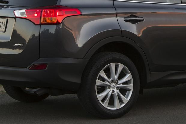 2014 Jeep Cherokee vs. 2014 Toyota RAV4: Which Is Better? featured image large thumb7