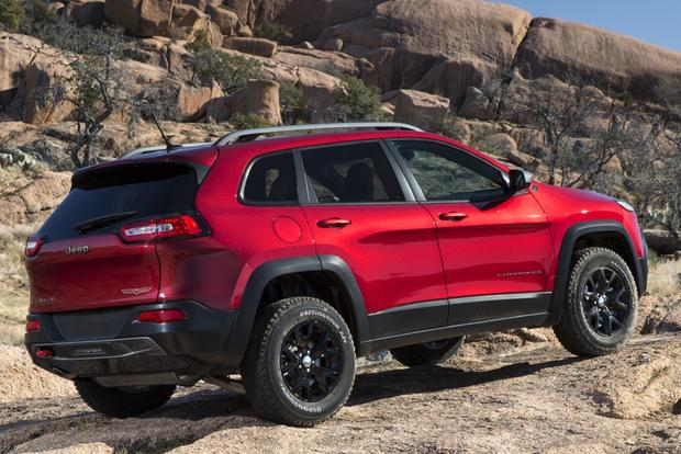 2014 Jeep Cherokee vs. 2014 Toyota RAV4: Which Is Better? featured image large thumb10