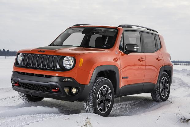 2015 jeep cherokee vs 2015 jeep renegade what 39 s the difference autotrader. Black Bedroom Furniture Sets. Home Design Ideas