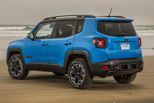 2015 jeep cherokee vs 2015 jeep renegade what 39 s the. Black Bedroom Furniture Sets. Home Design Ideas