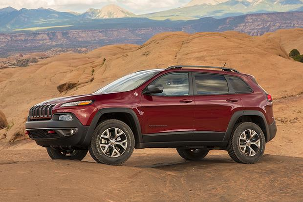 2015 Jeep Cherokee vs. 2015 Jeep Grand Cherokee: What's the Difference? featured image large thumb7