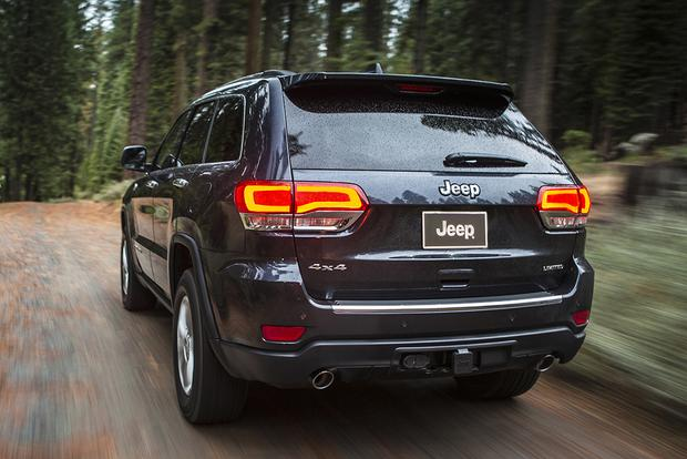 2015 Jeep Cherokee vs. 2015 Jeep Grand Cherokee: What's the Difference? featured image large thumb4