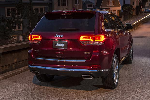 2015 Jeep Cherokee vs. 2015 Jeep Grand Cherokee: What's the Difference? featured image large thumb10