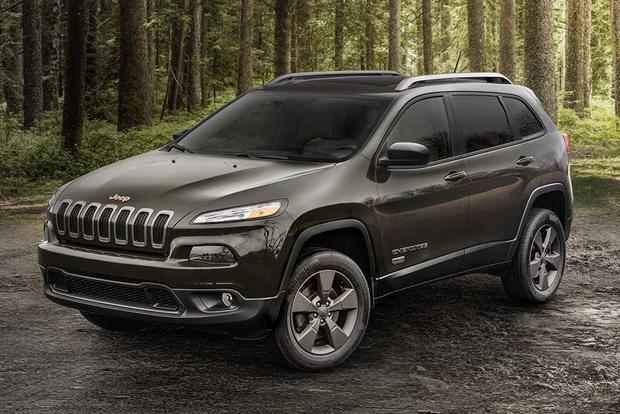 New Jeep Cherokee >> 2017 Jeep Cherokee New Car Review Autotrader