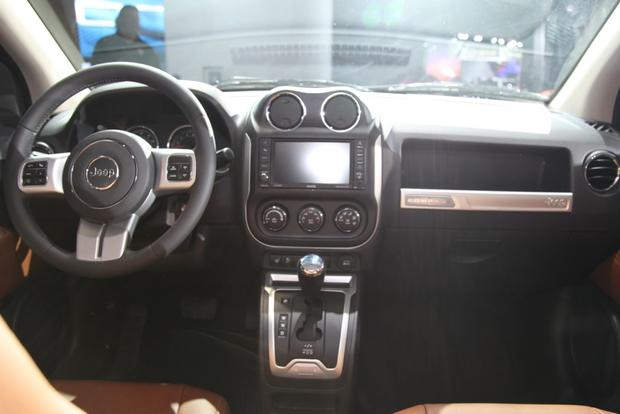 2014 Jeep Compass: detroit Auto Show featured image large thumb11