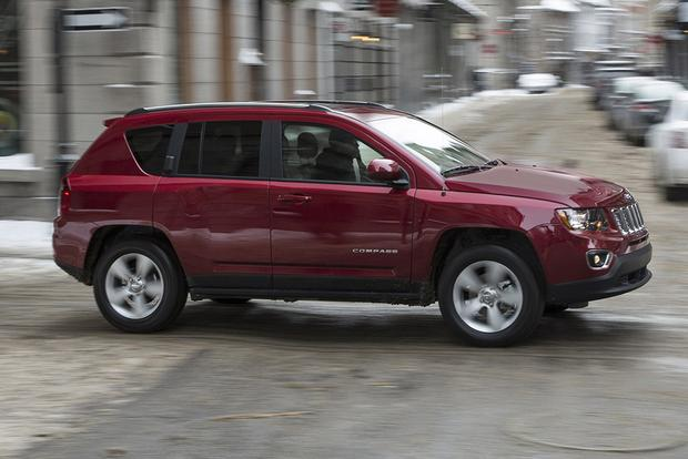 2015 Jeep Compass vs. 2015 Jeep Renegade: What's the Difference? featured image large thumb3