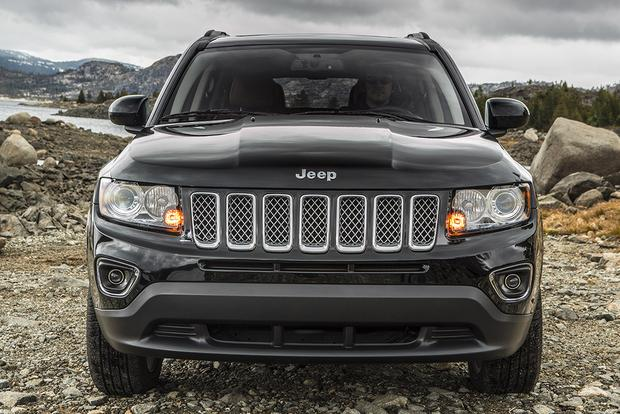 2015 Jeep Compass vs. 2015 Jeep Renegade: What's the Difference? featured image large thumb7